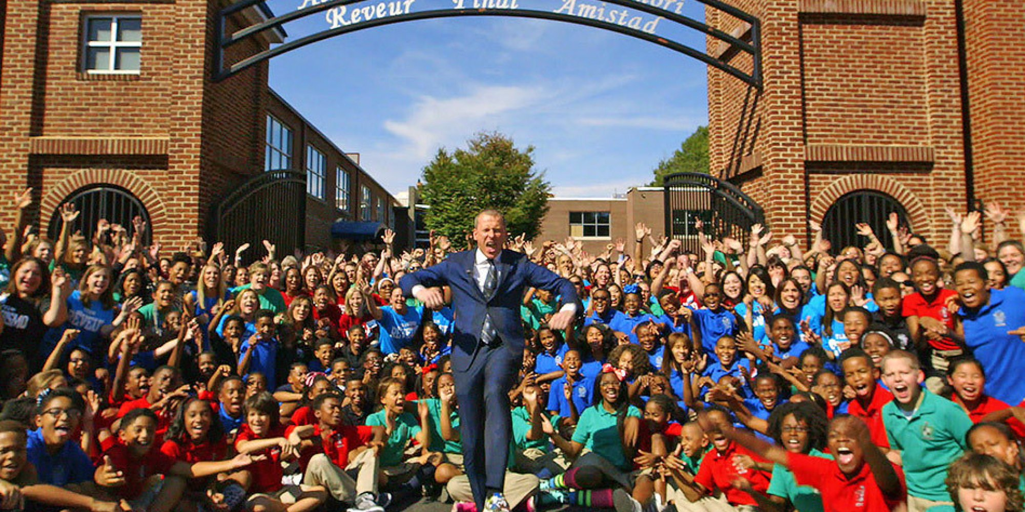 ron clark Biography known to many as america's educator, ron clark is the 2000 disney american teacher of the year, a two-time new york times bestselling author, the subject of a television movie and the founder of the ron clark academy.